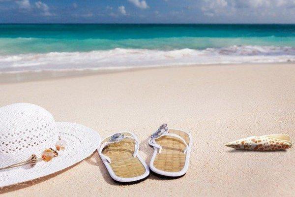 Strand am Meer im Urlaub