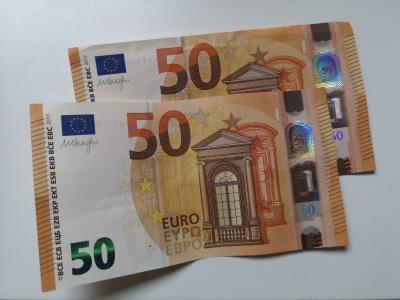 100 Euro - 2 Geldscheine - 100 Euro leihen